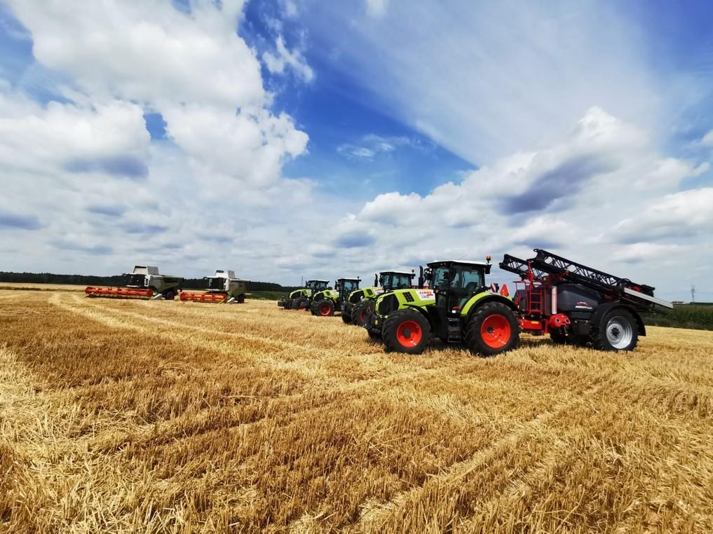 Zakup maszyn od tego samego dealera to oszczędność czasu i wiele korzyści dla funkcjonowania gospodarstwa